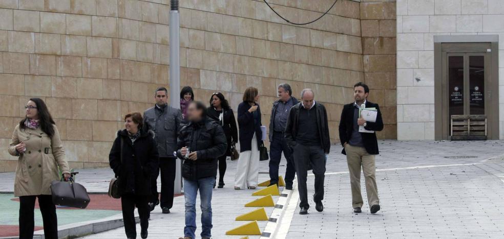 Una veintena de acusados se sentarán en el banquillo por prevaricación urbanística en Castro Urdiales