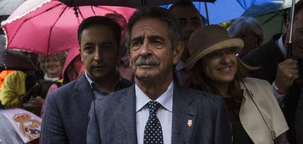 Revilla espera que el PSOE resuelva su crisis y Cantabria sea el «objetivo de todos»