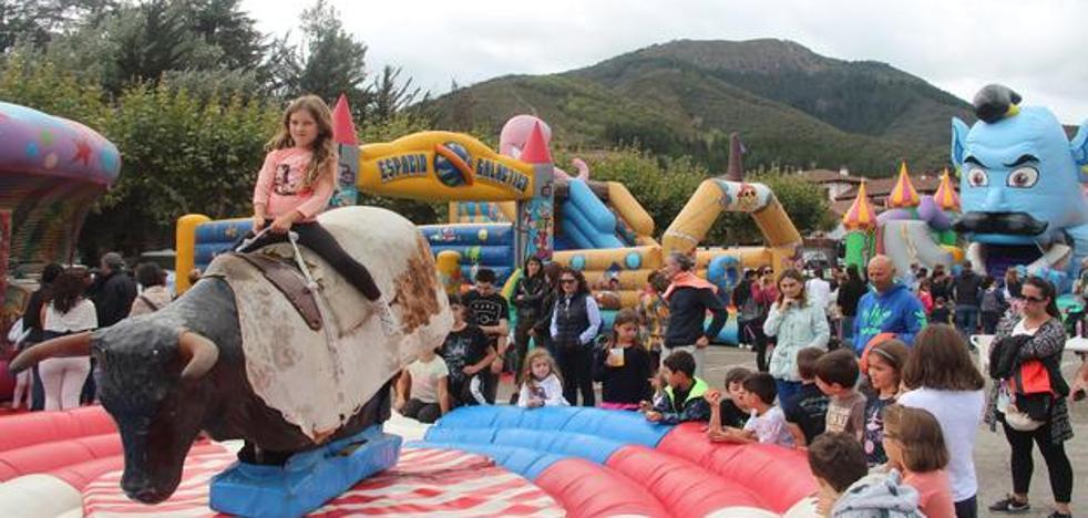 Los niños disfrutaron en el día infantil de las Fiestas de la Cruz de Potes