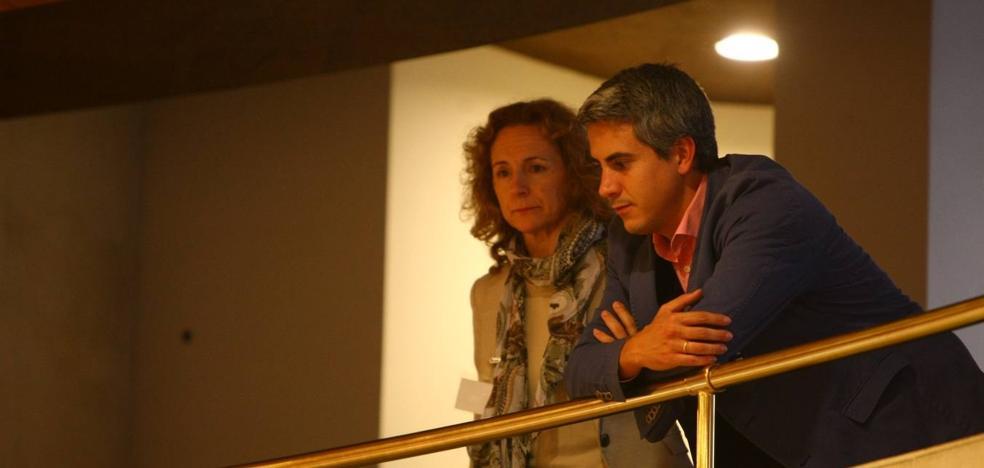 Zuloaga asiste como espectador al pleno y Ramón Ruiz se ausenta