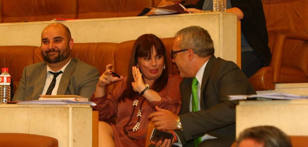 El Parlamento pide a Rajoy que reciba a Revilla y que cumpla sus compromisos con Cantabria