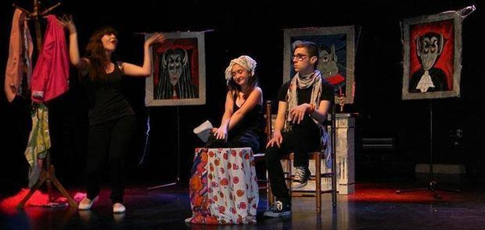 Desembarco de la compañía Miss+ Teatro en Laredo