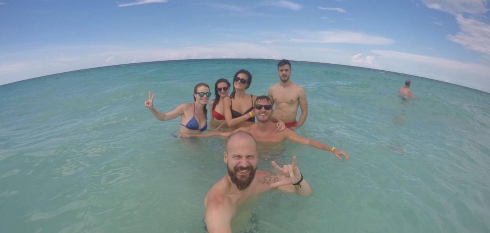 La odisea de cinco cántabros atrapados EN CUBA POR Irma