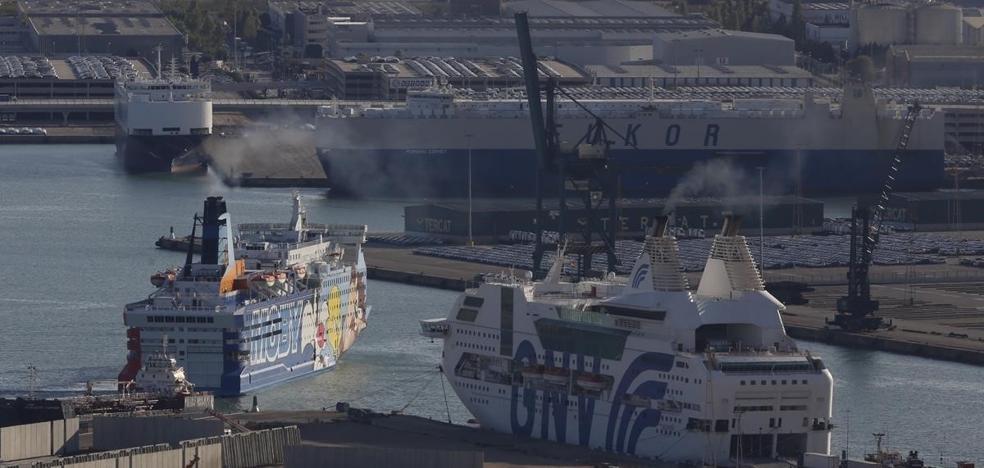 La Policía pide a Interior relevar ya a los antidisturbios de los barcos
