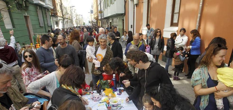 La asociación Sol Cultural vive desde este domingo en la calle su celebración festiva del otoño
