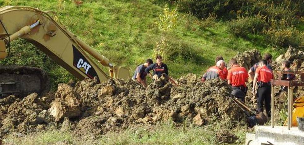 Dos trabajadores fallecidos en Vizcaya tras quedar sepultados bajo tierra en una zanja