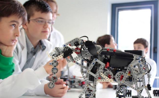 Talleres de robótica y música abren el nuevo curso del Almacén de las Artes de El Astillero