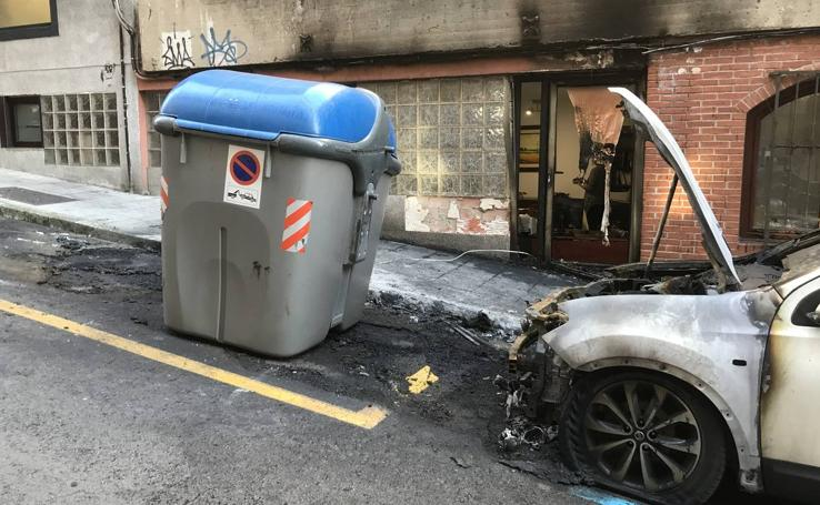 Los incendios de contenedores registrados esta madrugada por Santander, uno a uno