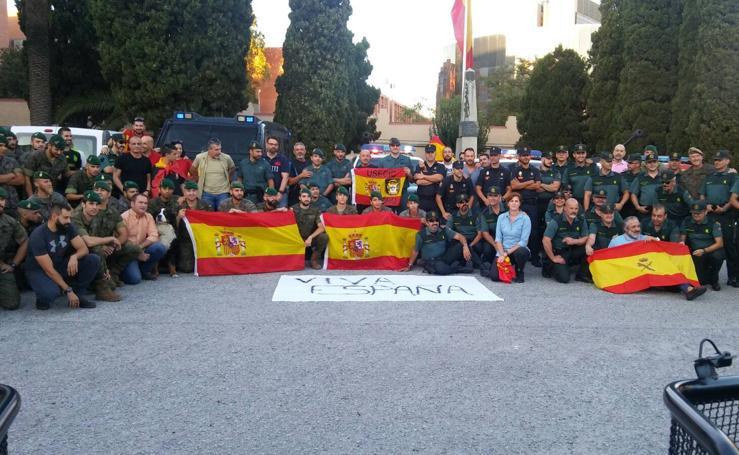 Imágenes de la visita de la Unión de Guardias Civiles de Cantabria a sus compañeros