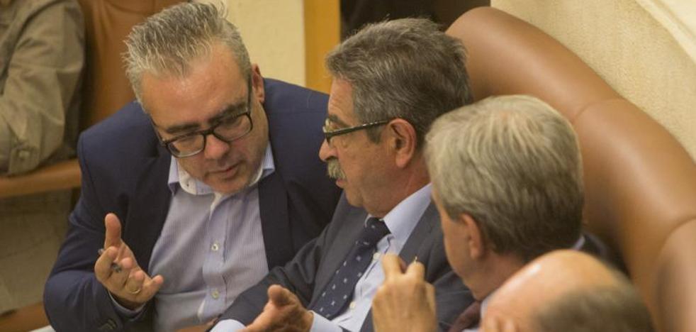 Carrancio vota junto al Gobierno PRC-PSOE para tumbar dos iniciativas de la oposición