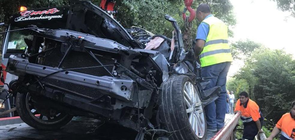 Muere un conductor al despeñarse con su coche en Peña Cabarga