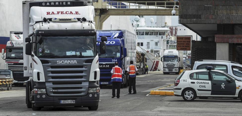 La Policía aborta 37 intentos de colarse en el ferri de Santander durante el fin de semana