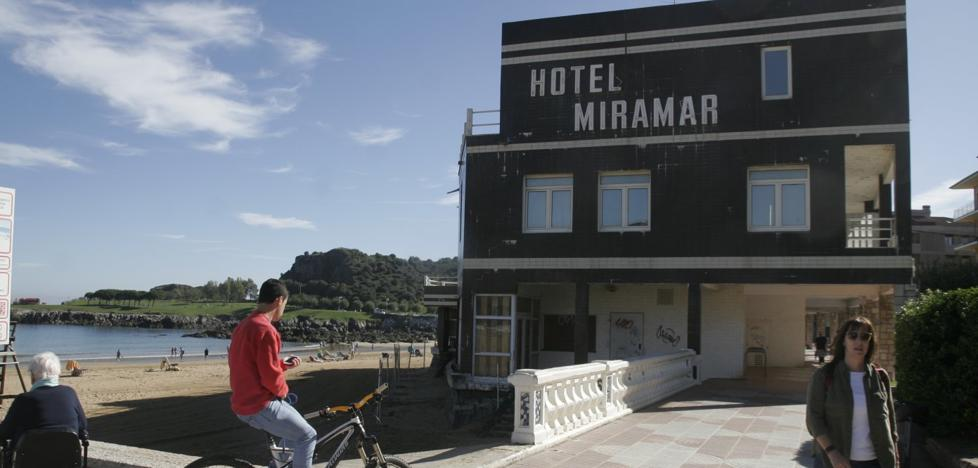 «Hemos hecho lo posible por evitar el derribo del Miramar», afirma el alcalde