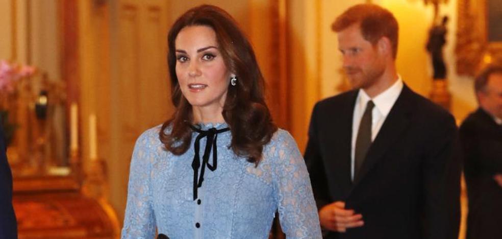 Primer acto público de la duquesa de Cambridge tras anunciar su embarazo