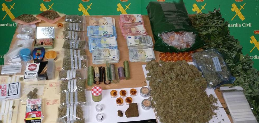 Detenidos los responsables de un club de cannabis terapéutico en Guarnizo
