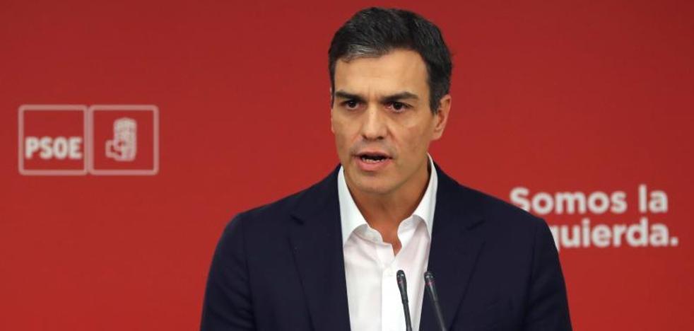 Sánchez anuncia un acuerdo con Rajoy para la reforma de la Constitución