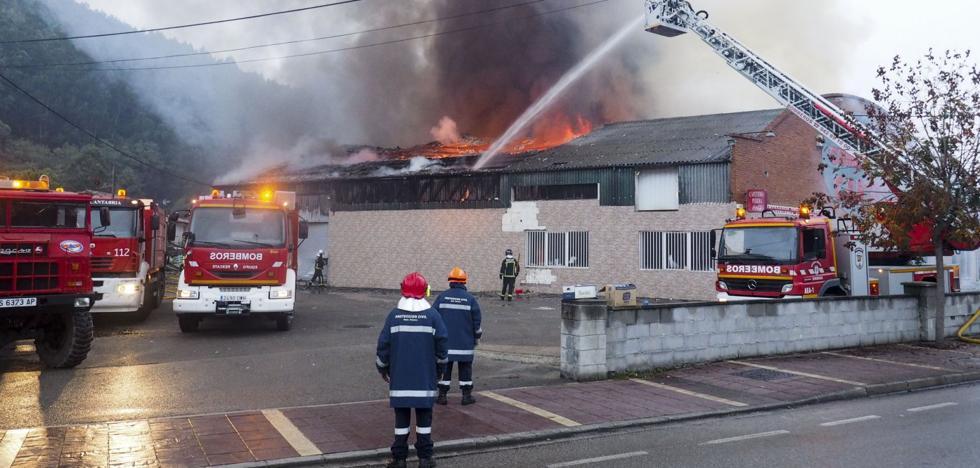 Los dueños del bazar chino de Cartes arrasado por el fuego lo reabrirán «en meses»