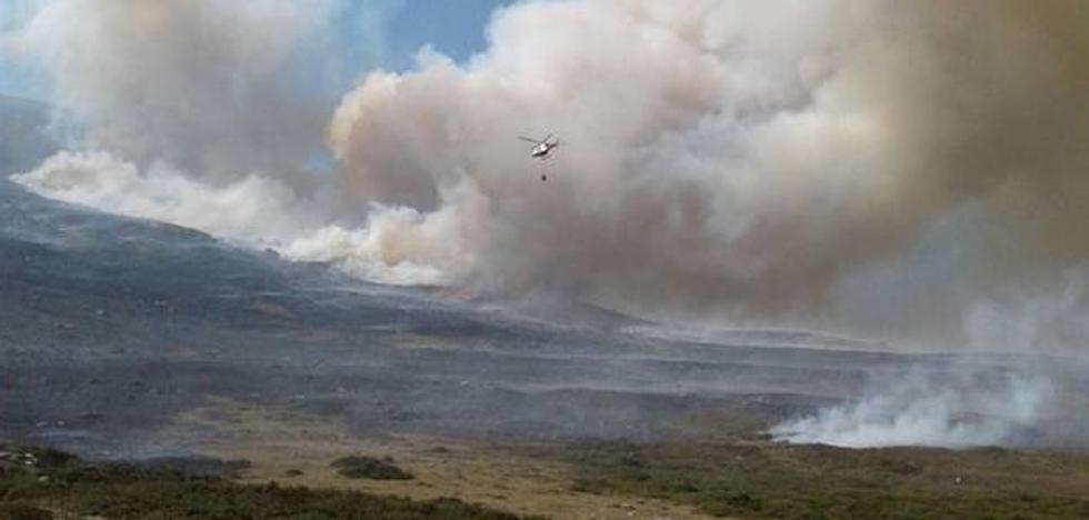 Se reaviva el incendio en La Población de Suso y el norte de Palencia