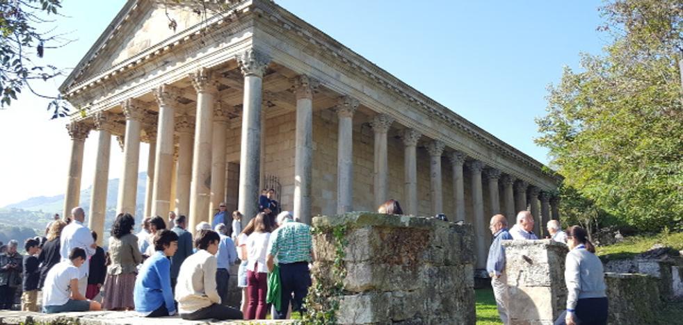 El Partenón cántabro cumple 100 años arropado por los vecinos de Arenas de Iguña