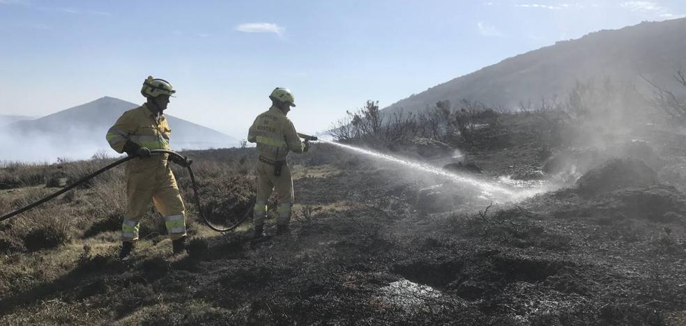 El incendio de La Población no da tregua después de tres días