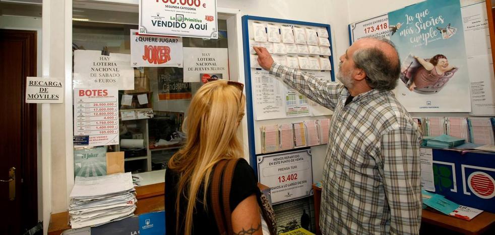 La Primitiva deja 100.000 euros en el quiosco de 'Tuki' en Torrelavega