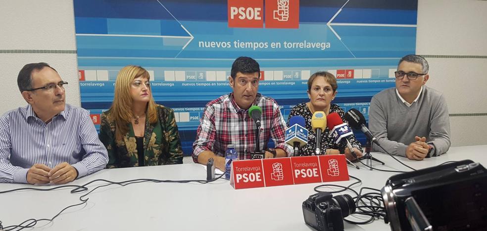 Bustillo suma a varios ediles del PSOE para liderar el partido en Torrelavega