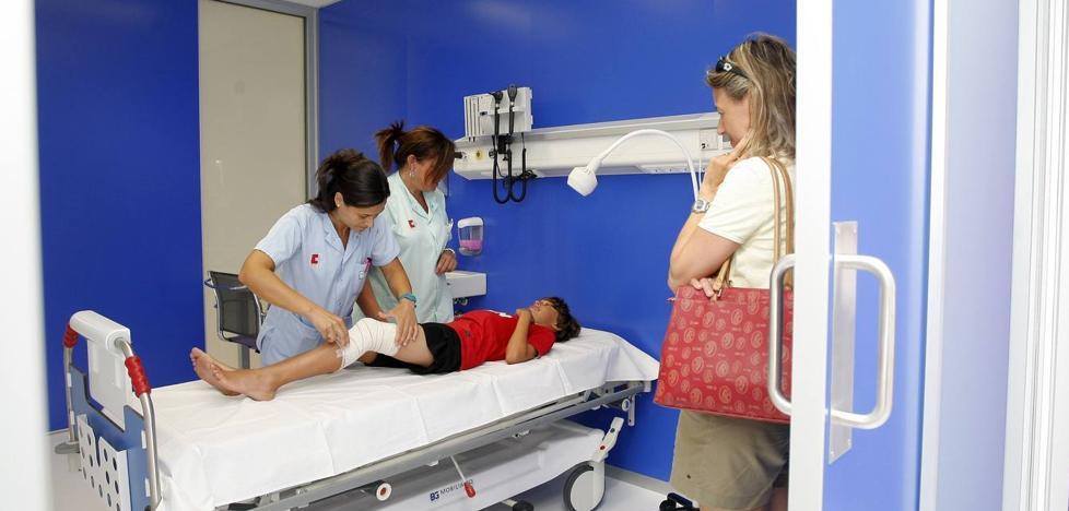 Sanidad ofrecerá horas extra por la tarde a pediatras y médicos de familia para aliviar la sobrecarga
