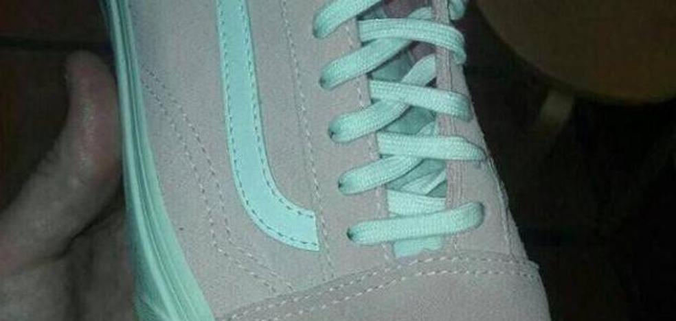 ¿Zapatilla azul y gris o rosa y blanca?