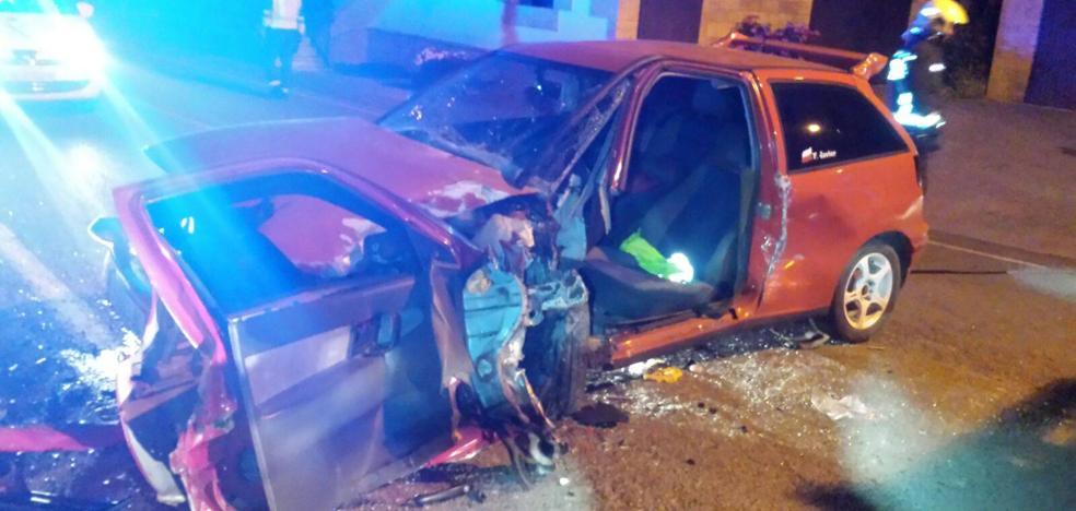 Herido leve un conductor que se salió de la vía en Escobedo