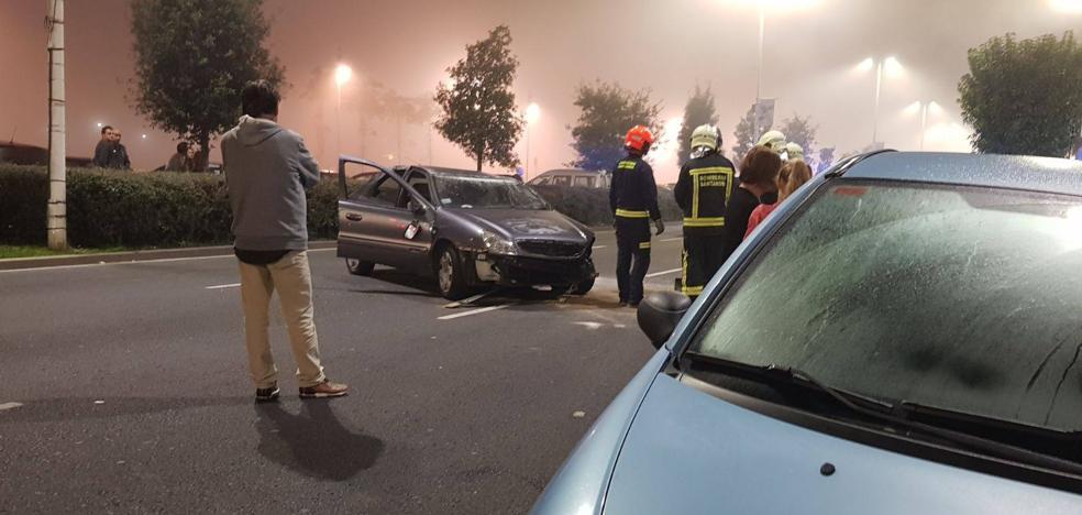 Un conductor ebrio se empotra contra tres vehículos en Marqués de la Hermida