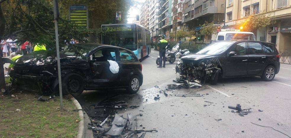 Aparatoso accidente en la calle San Fernando de Santander