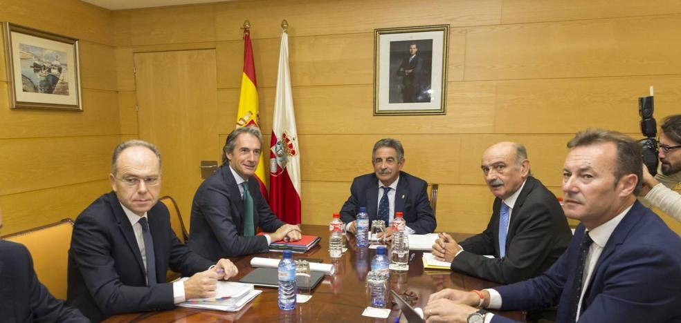 Tensa reunión entre Revilla y De la Serna, que cifra la inversión de Fomento en Cantabria en 500 millones