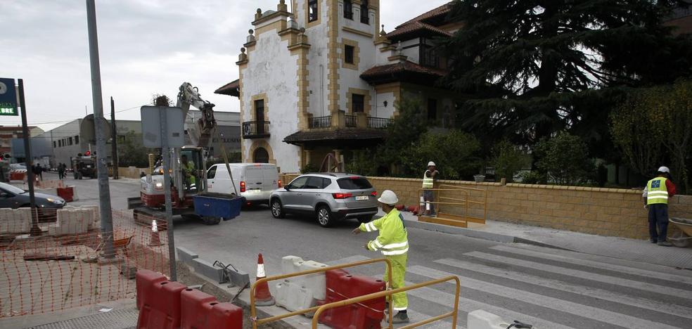 El tramo más peligroso del Paseo del Niño de Torrelavega tendrá por fin aceras en noviembre