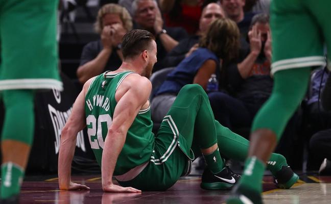 Hayward se rompe el tobillo a los cinco minutos de temporada