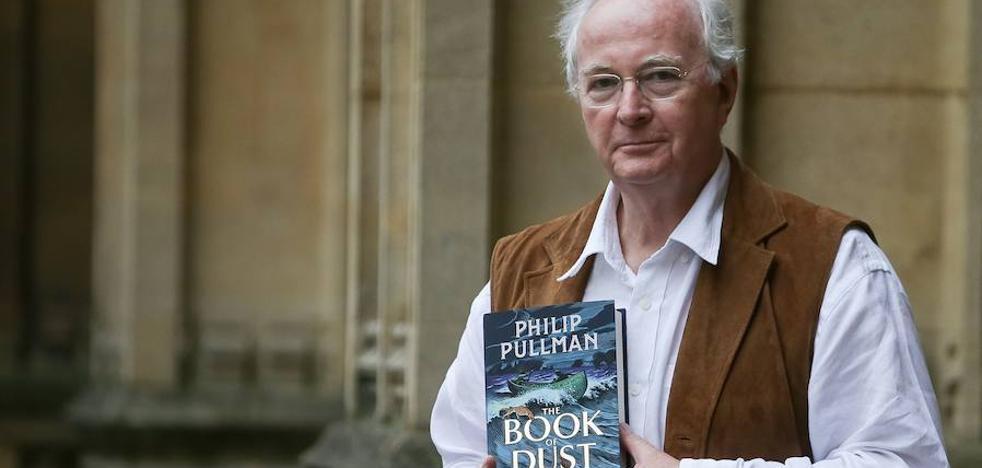Pullman regresa al mundo de Lyra con la serie 'El libro de la oscuridad'