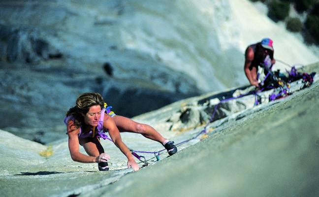 Lynn Hill y Krzysztof Wielicki, en la Semana Cultural de Montaña de Reinosa