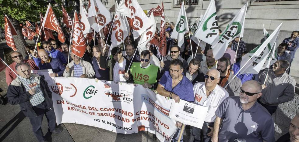 Los vigilantes harán huelga indefinida si no les suben el sueldo