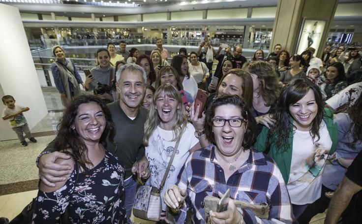 Sergio Dalma se reencuentra con sus fans en Cantabria