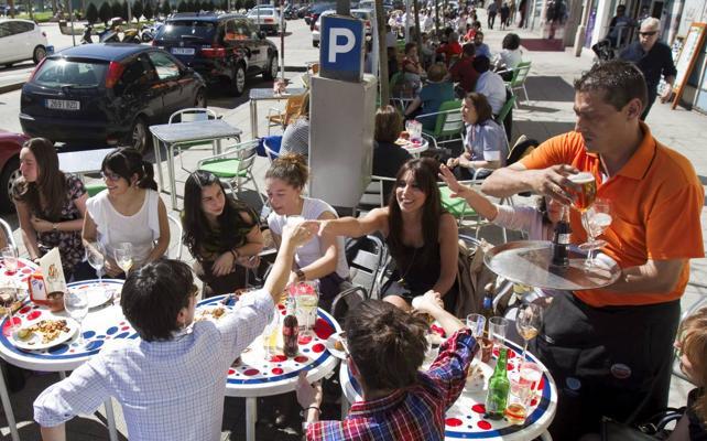 El paro baja en Cantabria el doble que la media en el tercer trimestre