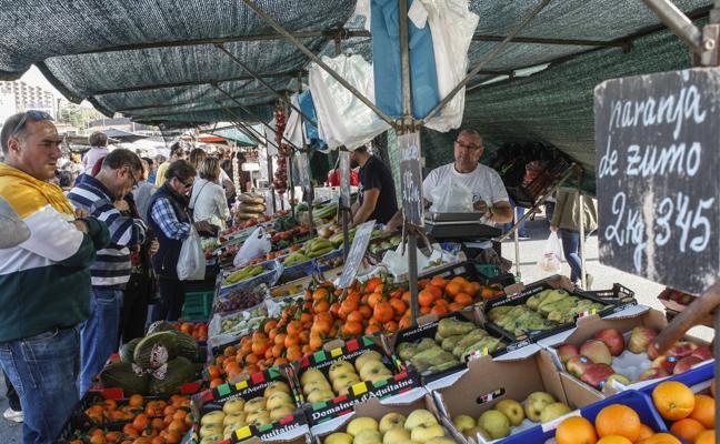 Los vendedores ambulantes critican las tasas «abusivas» del mercado semanal