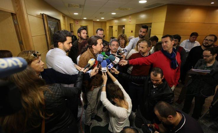Pablo Iglesias se reúne con Miguel Ángel Revilla