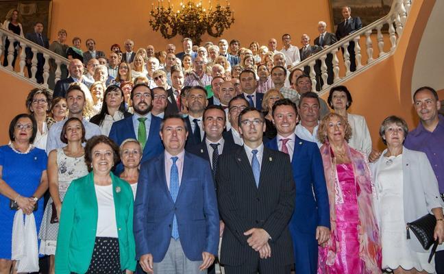 SSPL pide la dimisión del alcalde por «alteración documental» en el hermanamiento con Sevilla