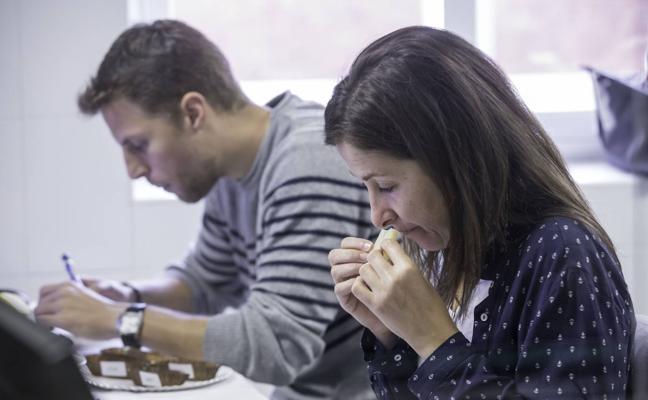 Santander acoge la cata para elegir los mejores quesos de España