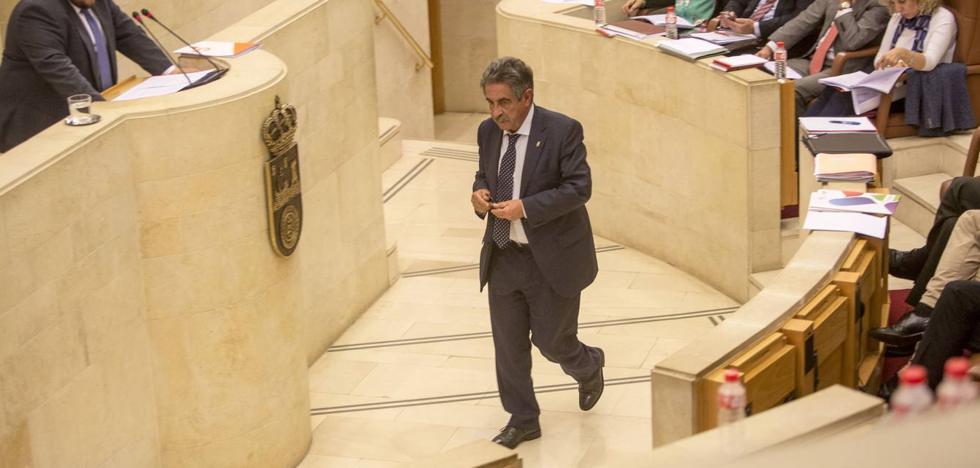 La Sanidad, el Turismo y Solvay, a debate en el pleno del Parlamento
