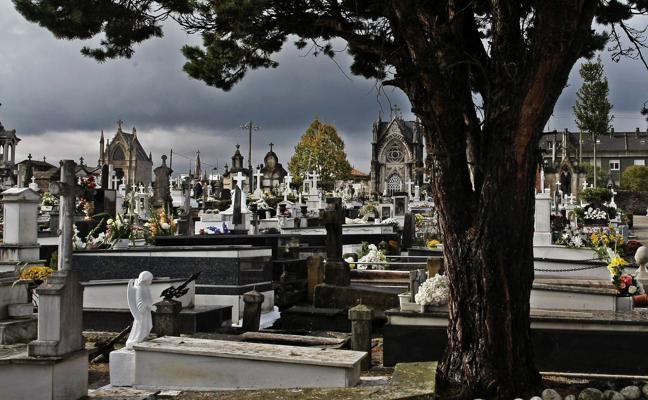 Torrelavega amplía el horario de los cementerios y del Torrebús por Todos los Santos