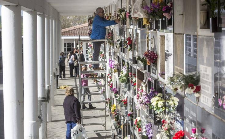 El día de llevar flores a los seres queridos que se fueron