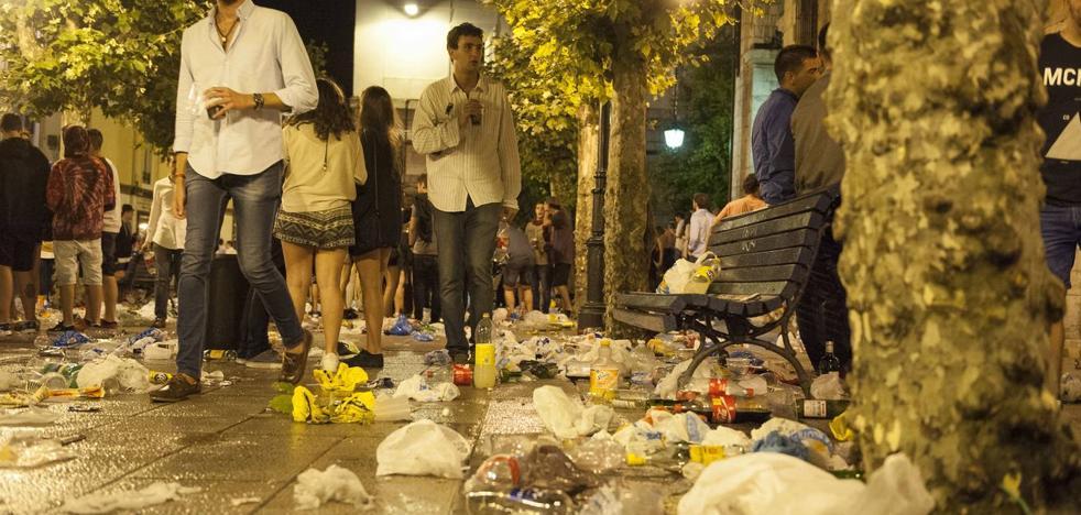 Orinar en una calle de Santander sale 67 euros más barato que en Maliaño