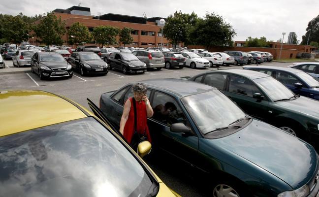 El Hospital Sierrallana tendrá 400 plazas más de aparcamiento
