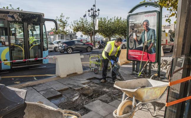 Obras para construir las nuevas marquesinas del Metro-TUS