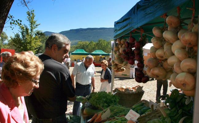 Mañana se celebra el primer mercadillo mensual de productores de Valderredible
